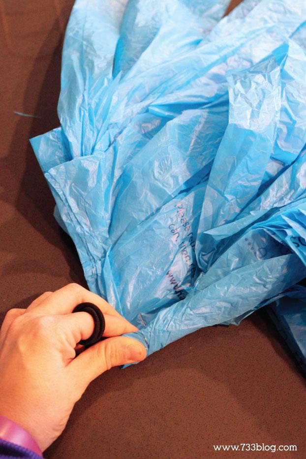 DIY Grocery Bag Pom Poms Tutorial