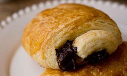 Pain Au Chocolat Croissants