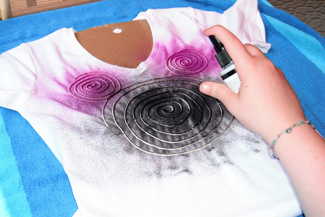 DIY Spiral Head Mickey Mouse T-Shirts, using flour, water and fabric paint!