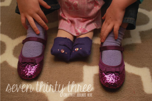 Ridiculously Easy Baby Doll Shoes {Perfect for Waldorf Dolls}