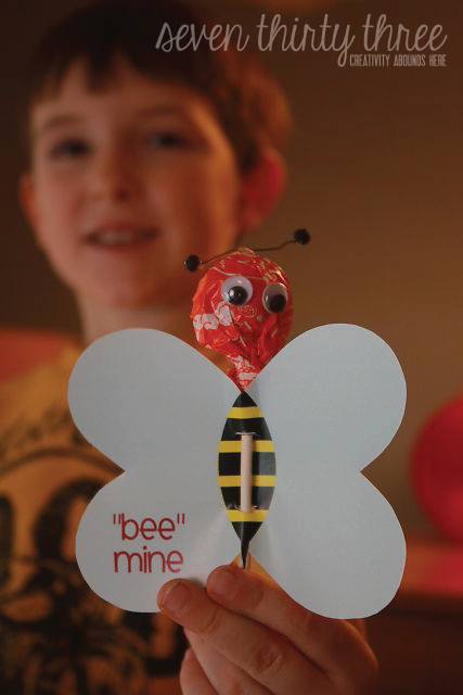 """Bee"" Mine Valentine"