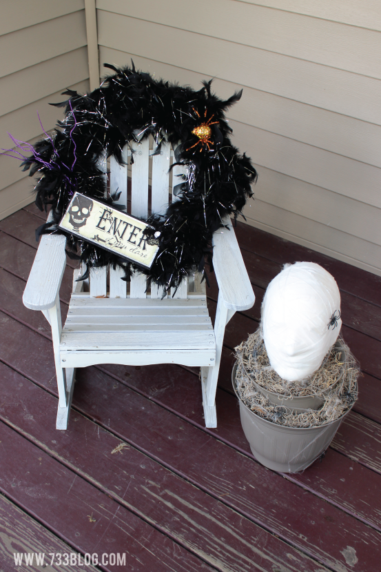 DIY Feather Halloween Wreath