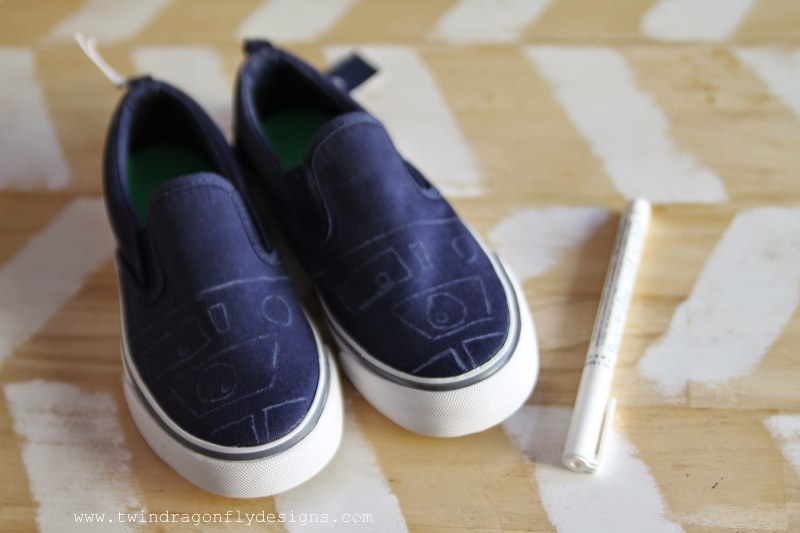 R2D2 Canvas Shoes Tutorial
