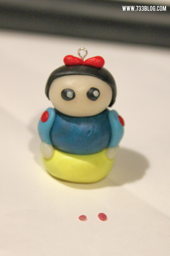 Snow White Clay Pendant Tutorial