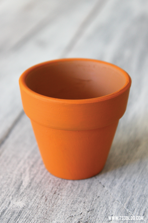 Make a Terra Cotta Pot Pumpkin
