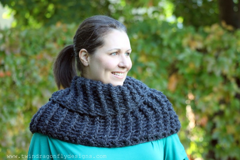 Claire Inspired Cowl Pattern #Outlander