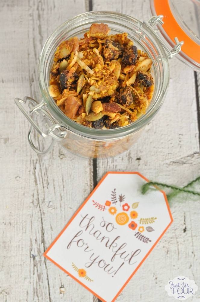 Paleo Pumpkin Granola with Free Printable Gift Tag