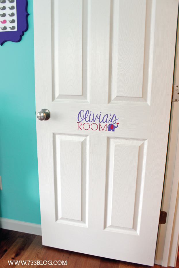 DIY Vinyl Door Sign