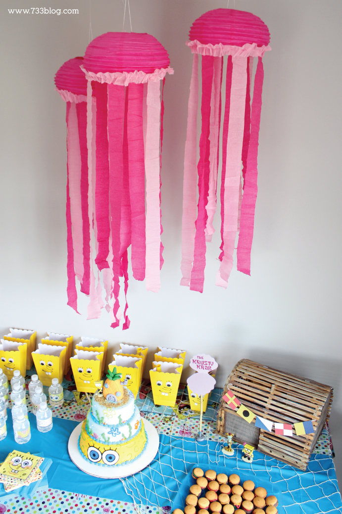 DIY Jellyfish Party Decor