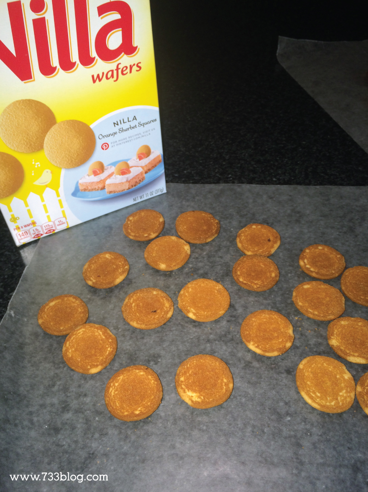 Krabby Patty Cookies - These mini hamburger cookies are such a surprisingly delicious treat! You've got to try them!