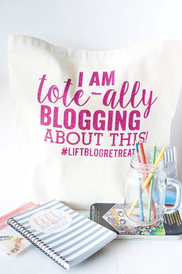 I am Tote-ally Blogging About This DIY Tote Bag - #liftblogretreat Full of goodies from @pinprismacolor @shutterfly @consumercrafts @enjoyillinois