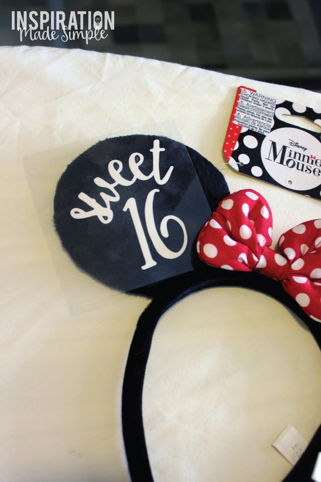 DIY Personalized Minnie Mouse Ears
