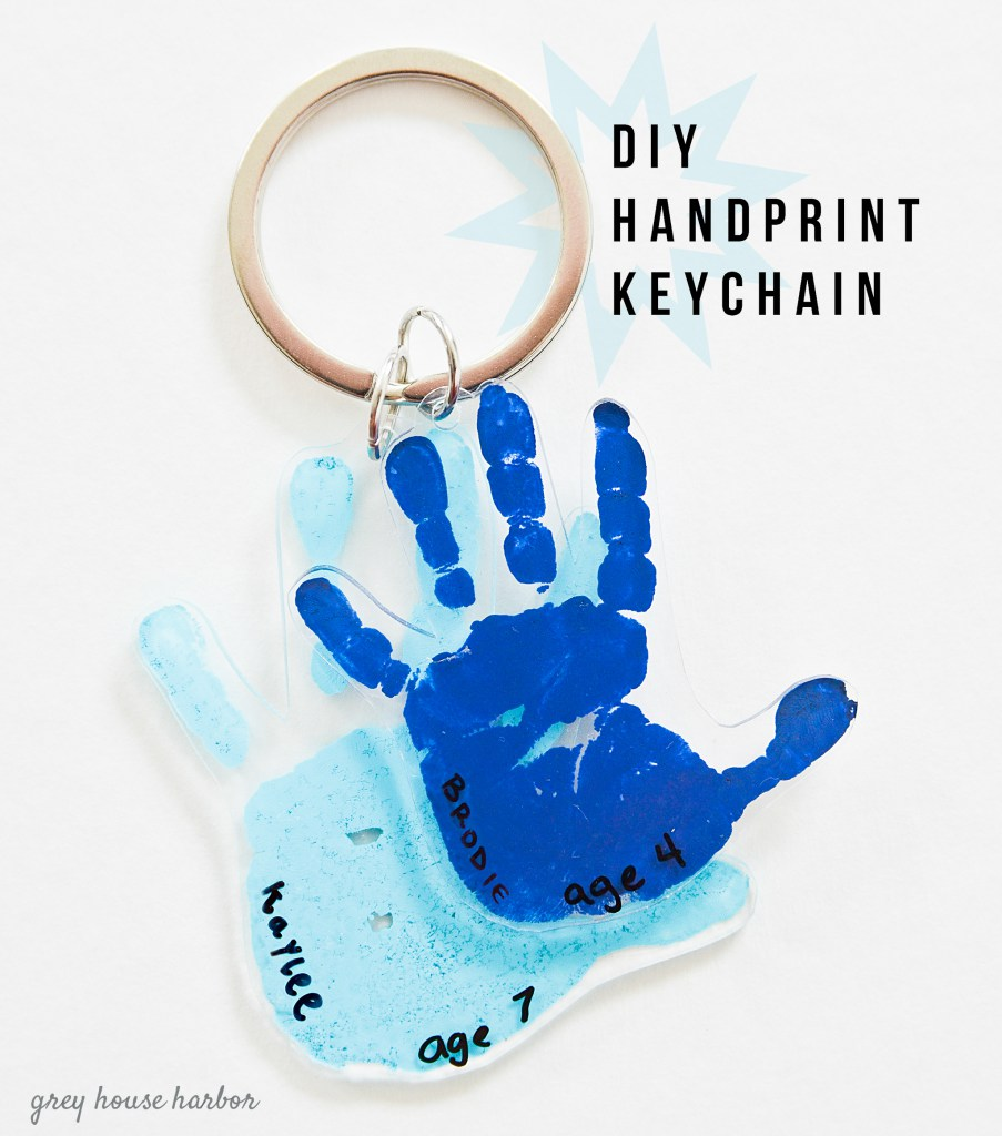 Creatively Thoughful Mother's Day Gift Ideas: Handprint Key Chain