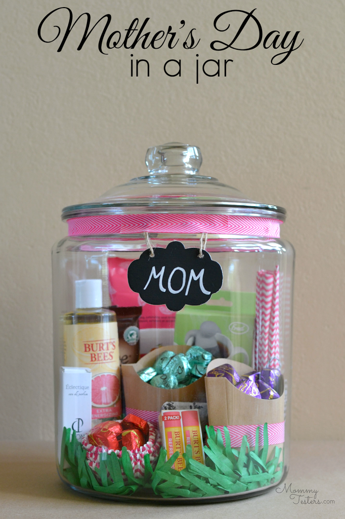 Creatively Thoughful Mother's Day Gift Ideas: Mother's Day in a Jar Gift Idea