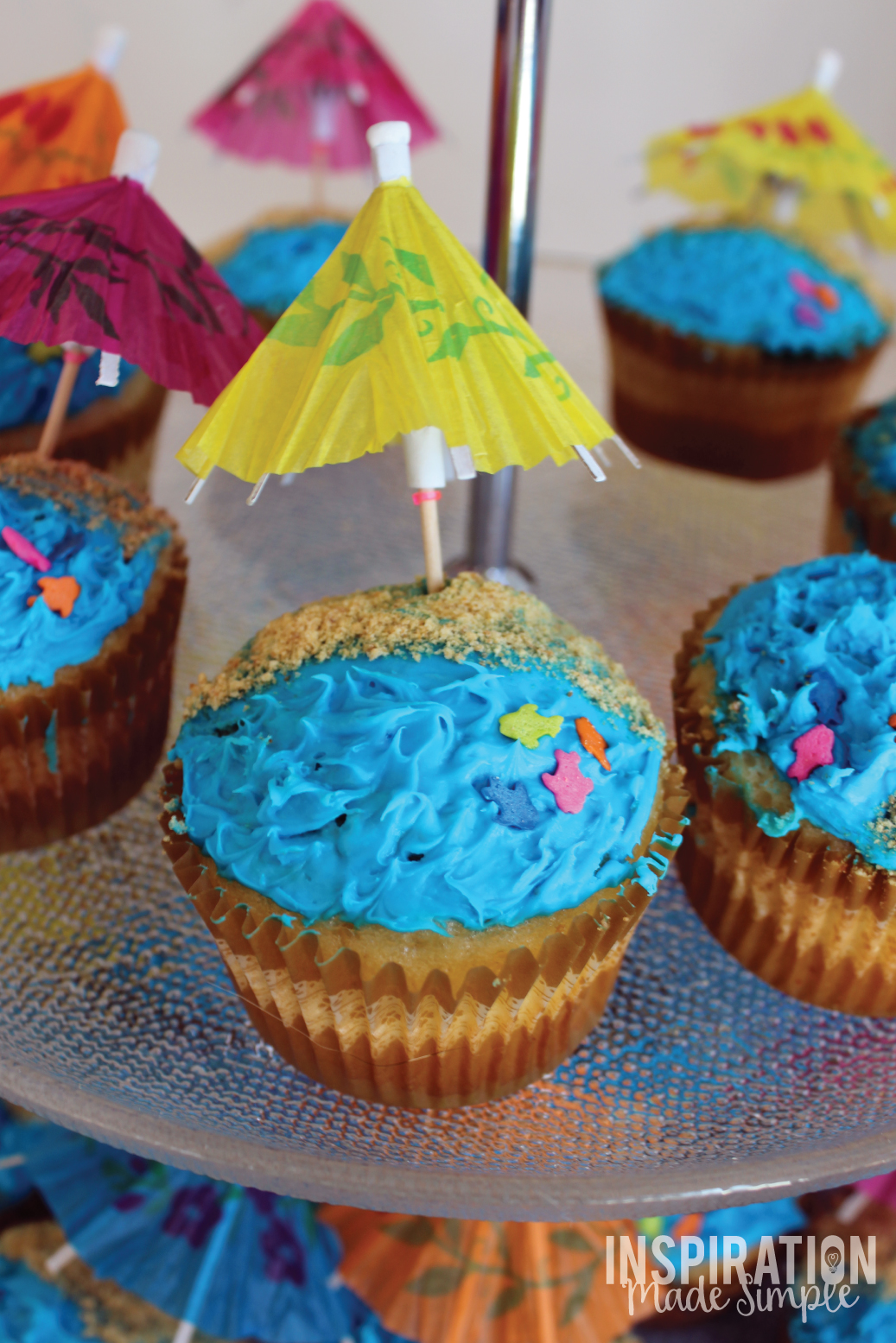 Adorable Beach Cupcakes