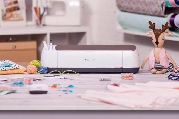 Brand new Cricut Maker cutting machine