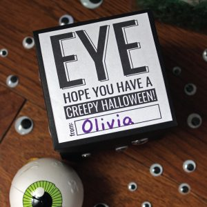 Creepy Halloween Gift Tag and Gift Idea - great for Halloween parties, friends and classmates!