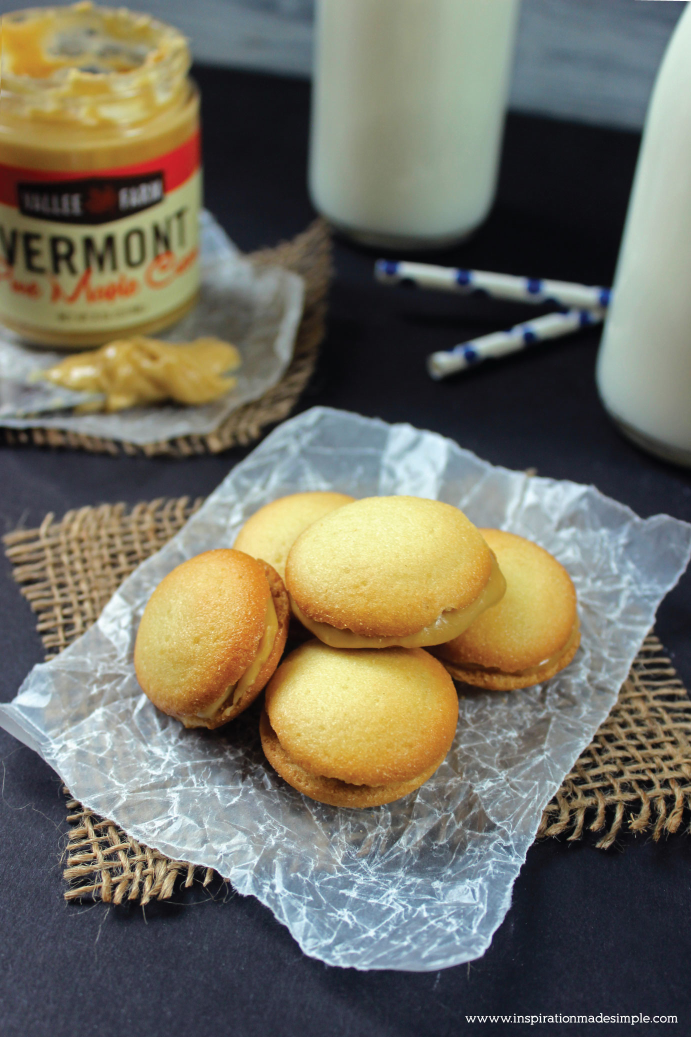 Maple Cream Vanilla Wafer Sandwiches - a deliciously sweet dessert cookie!