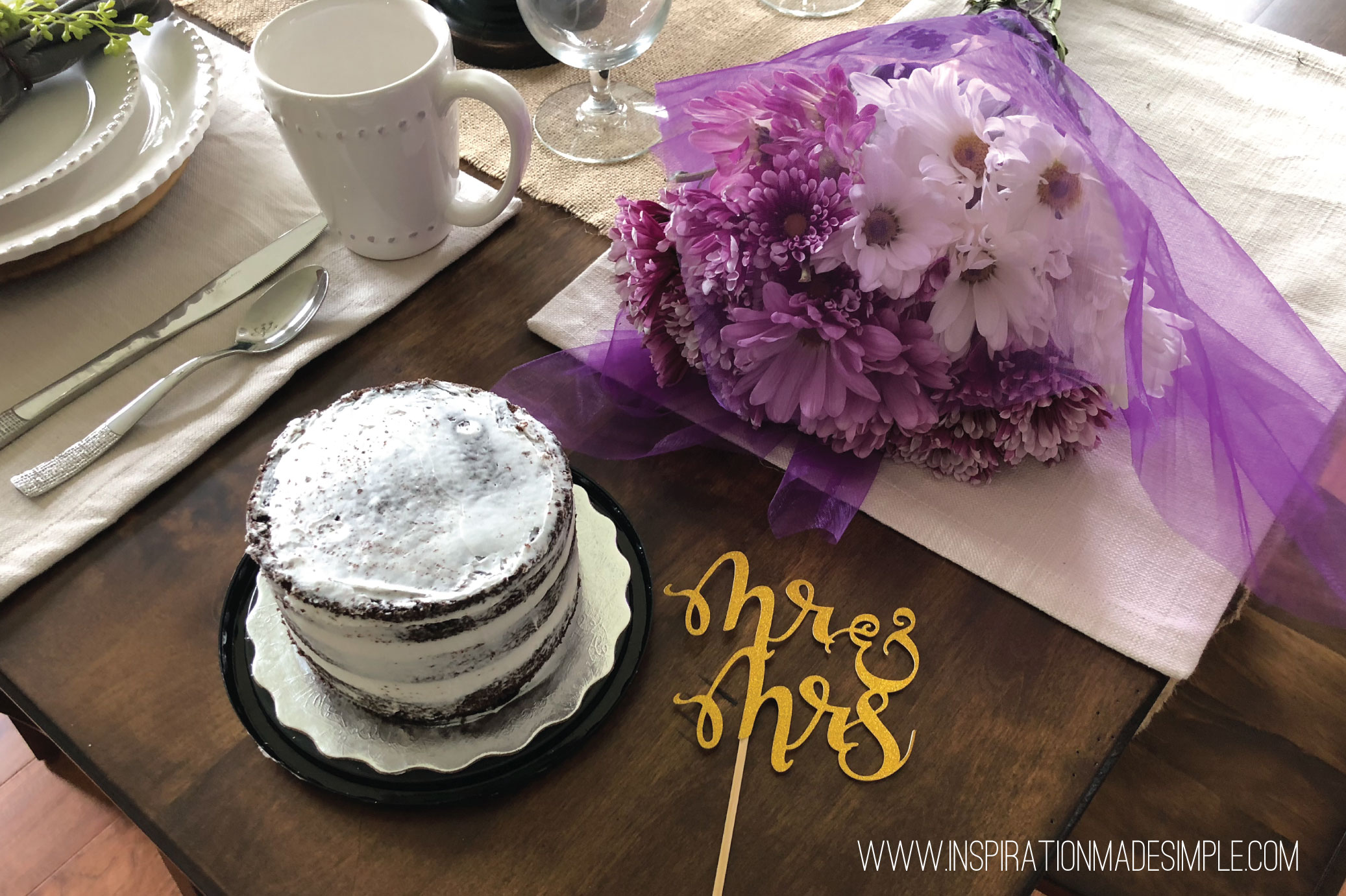 DIY Naked Cake and Cake Topper