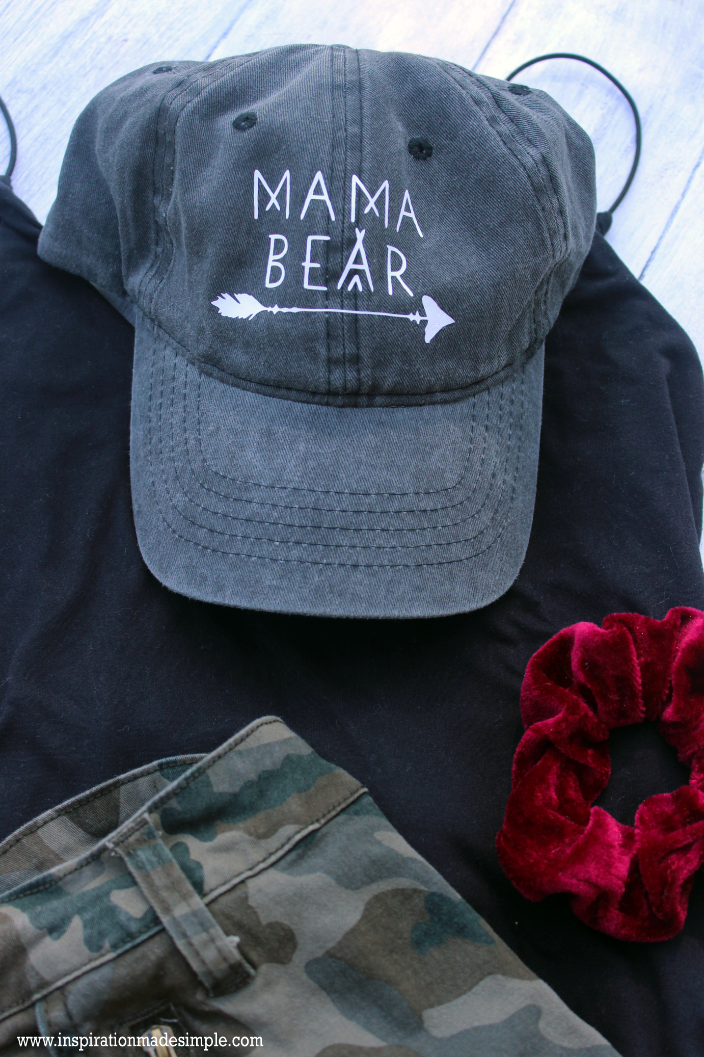 DIY Mama Bear Hat with the Cricut EasyPress Mini #cricutcreated