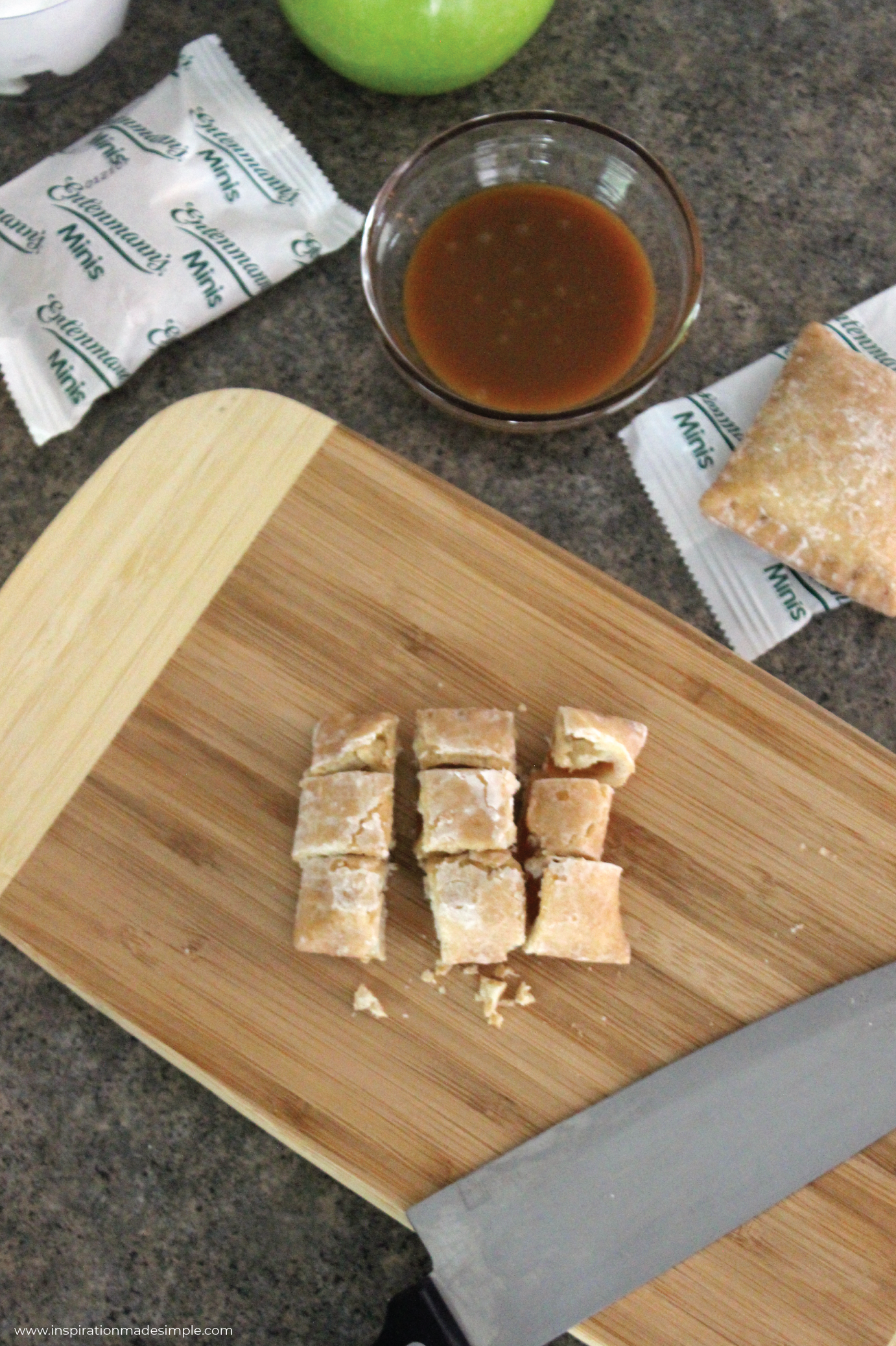 Entenmann's® Minis Apple Snack Pies