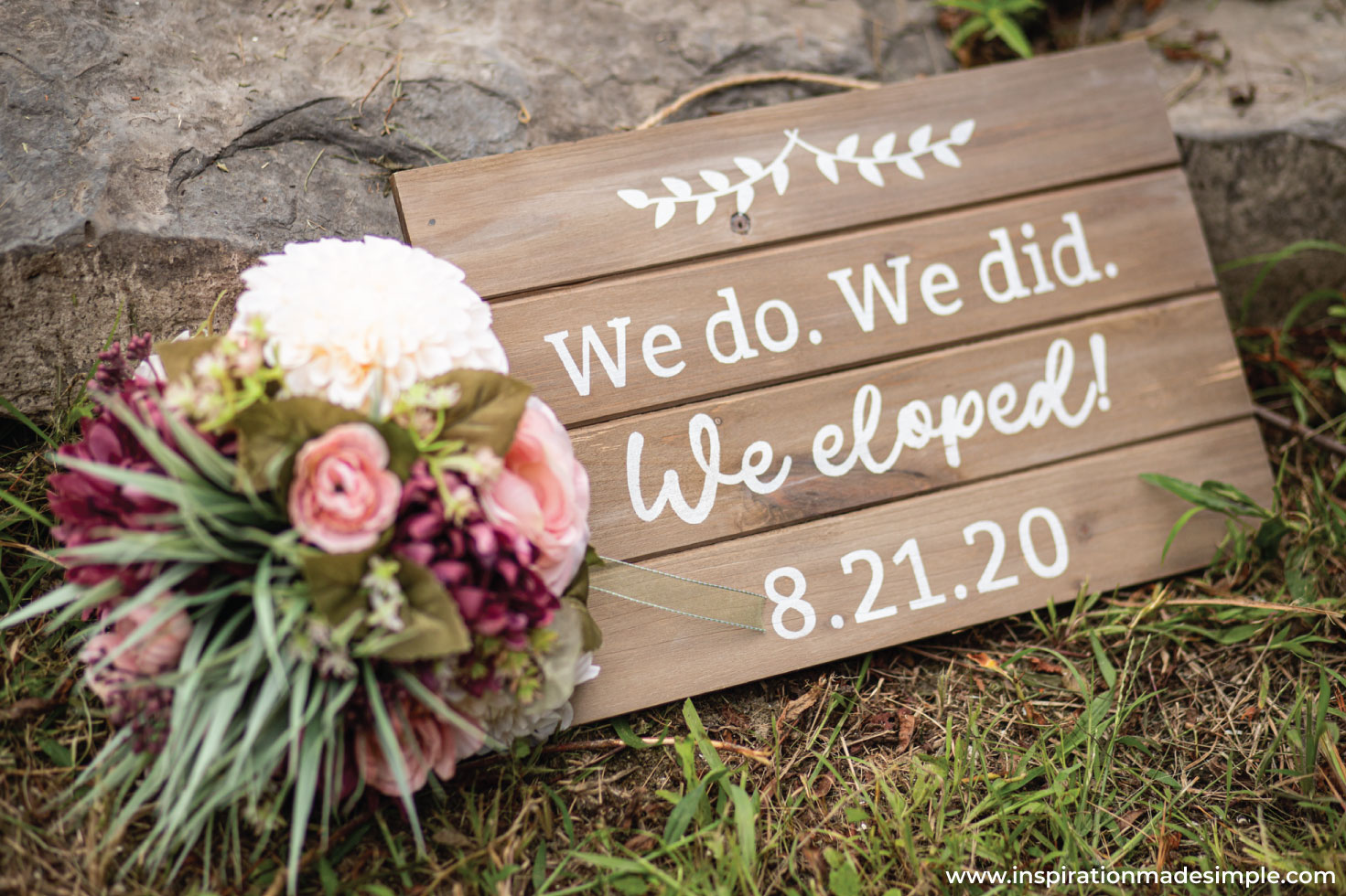 DIY Eloped Sign for Photos