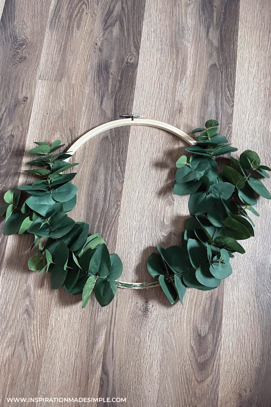Step-by-Step Wreath Instructions